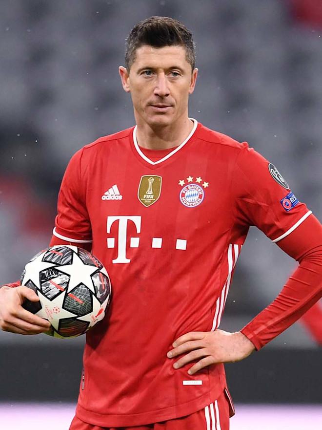 Lewandowski Rescues a Point for Bayern Munich against Borussia Mönchengladbach