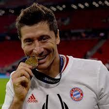 Lewadowski Scores 13th Consecutive goal to Break Bundesliga Record
