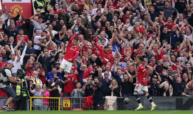 Cristiano sends Old Trafford Wild with a Brace On Return at Manchester United